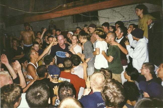 97-08-crowd-shot